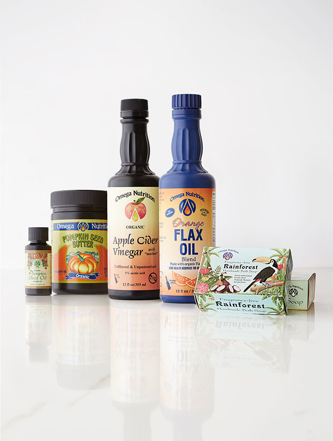 0Q7A4200-clean-living-guide-omega-nutrition-flax-oil-pumpkin-seed-butter-natural-Castile-soap-900b