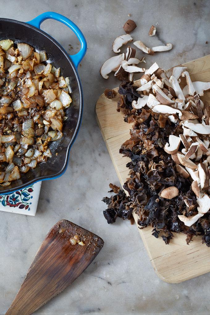 0q7a7759-clean-living-guide-wood-ear-shiitake-mushroom-taco-sweet-potato-1000